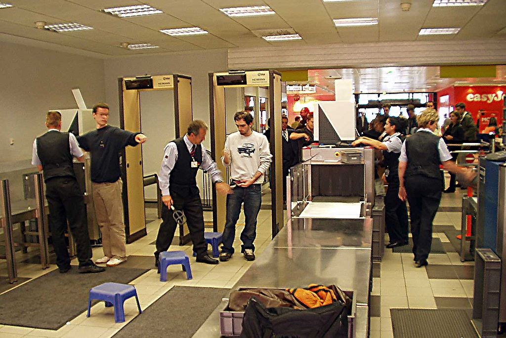 Airport Security Scanners and Batteries - News about Energy Storage