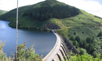 Clywedog Reservoir, Wales: Badgernet: CC 3.0: https://commons.wikimedia.org/wiki/File:Badgernet_Clywedog_reservoir_3.JPG
