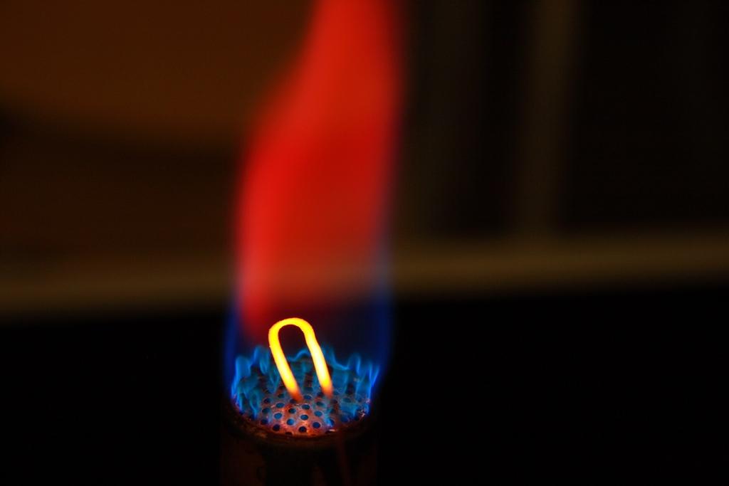 extinguish lithium battery fires